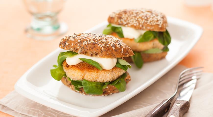 Рецепт Мини-бургеры с лососем