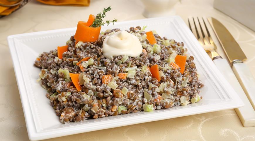Рецепт Салат с чечевицей и сельдереем