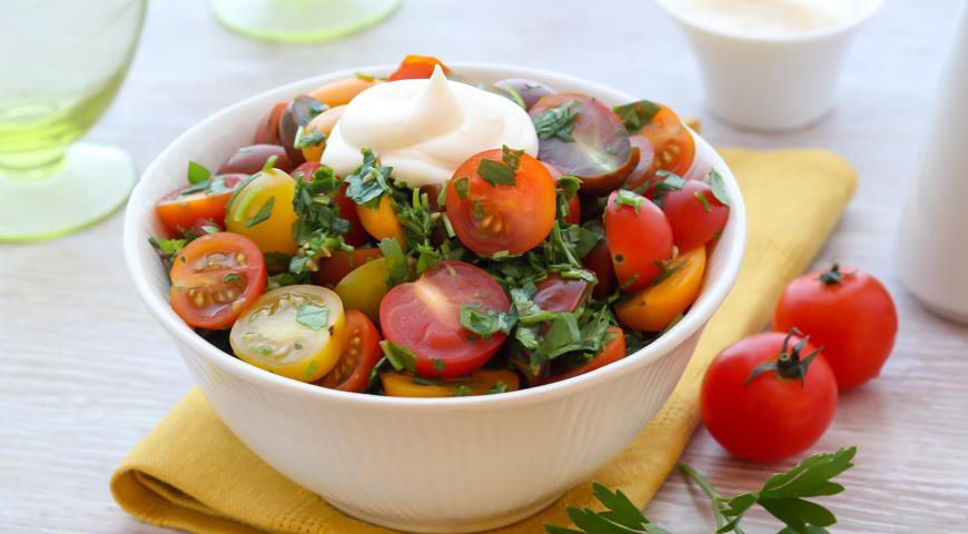 Рецепт Салат из помидоров с зеленью