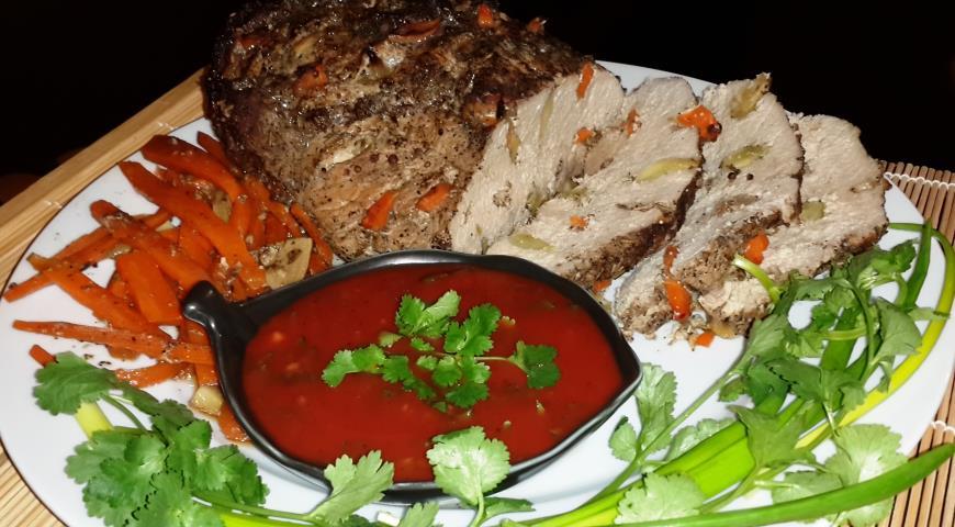 Рецепт Запечённая свинина с пикантным соусом