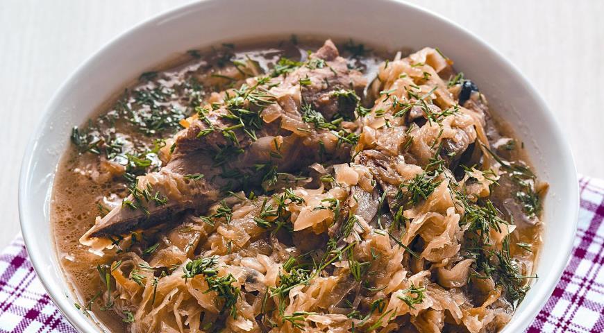 Рецепт Щи из кислой капусты с ребрышками