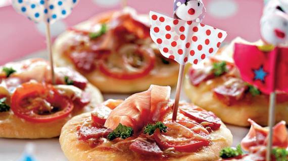 Мини-пиццы, пошаговый рецепт с фото