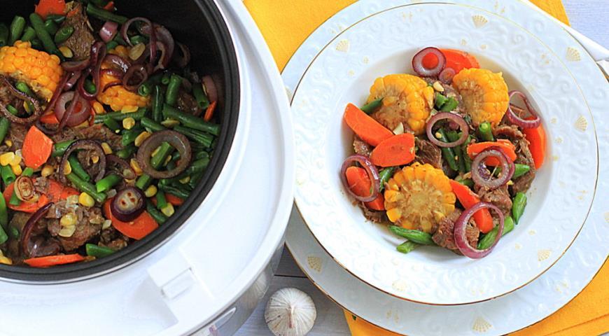 Рецепт Говядина тушеная с кукурузой и фасолью