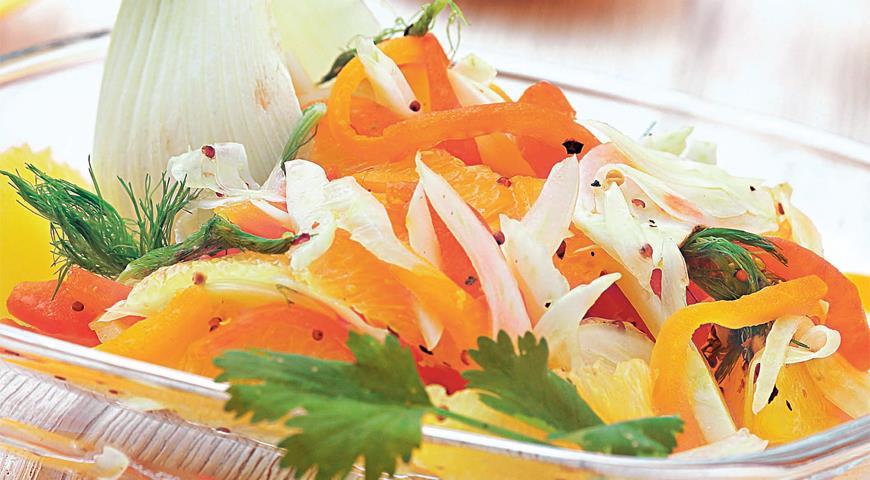 Рецепт Салат из фенхеля с красным перцем и апельсинами