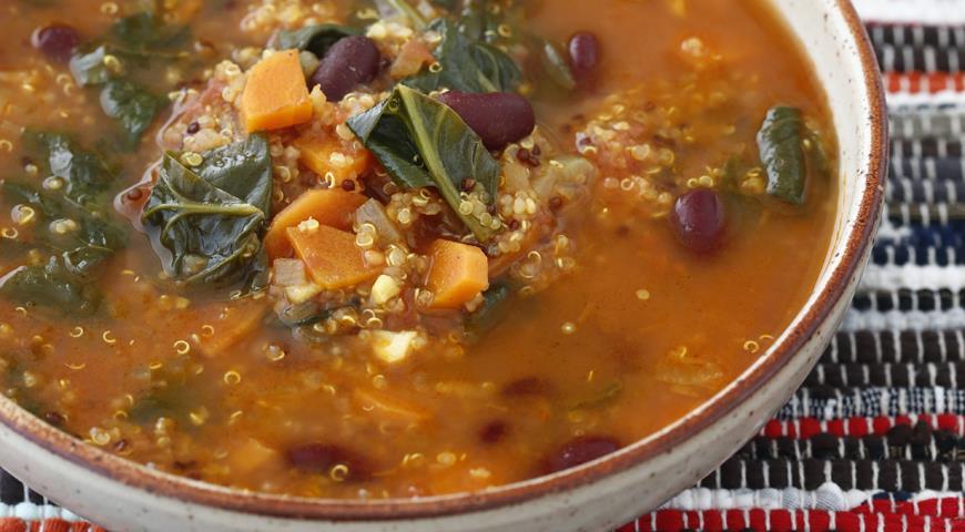 Рецепт Суп из фасоли с киноа и шпинатом