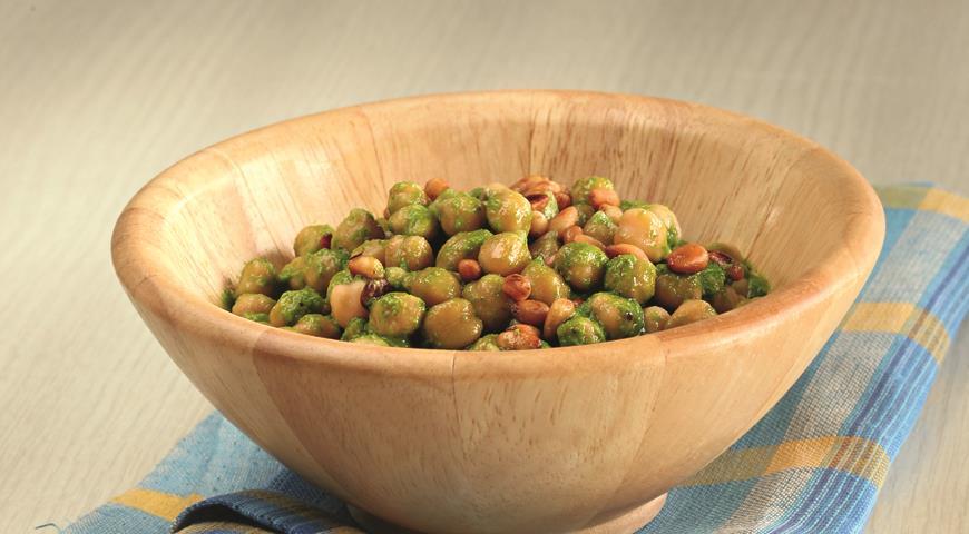 Рецепт Салат из нута с кедровыми орехами