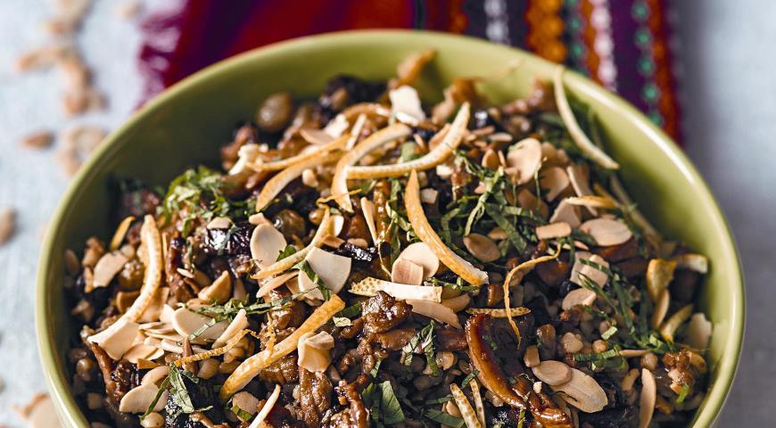 Рецепт Тунисский пилав из булгура с курицей и сухофруктами