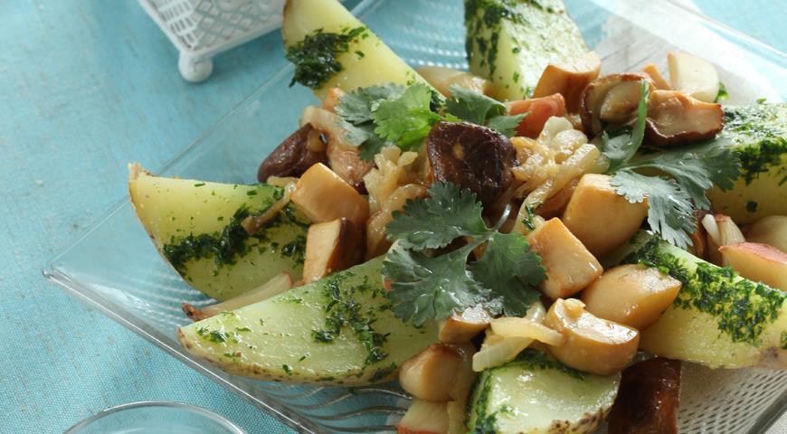 Рецепт Картофельный салат с грибами и печеным чесноком
