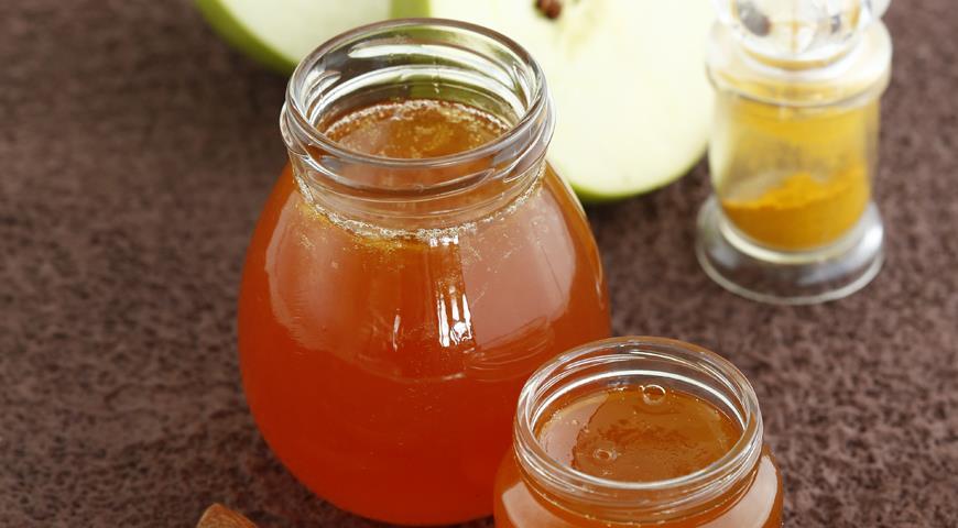 Рецепт Яблочное желе с корицей и шафраном