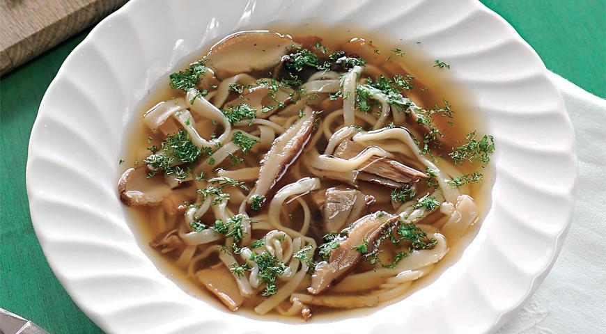 Суп из белых грибов с лапшой