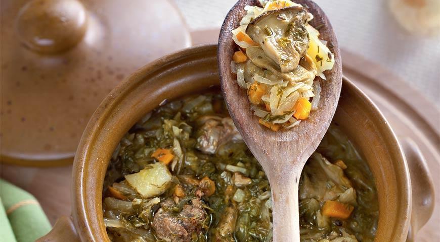 Рецепт Щи на говяжьем бульоне с кислой капустой