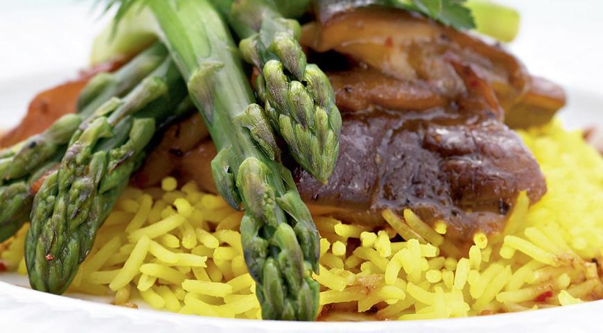 Рецепт Рис с белыми грибами и спаржей