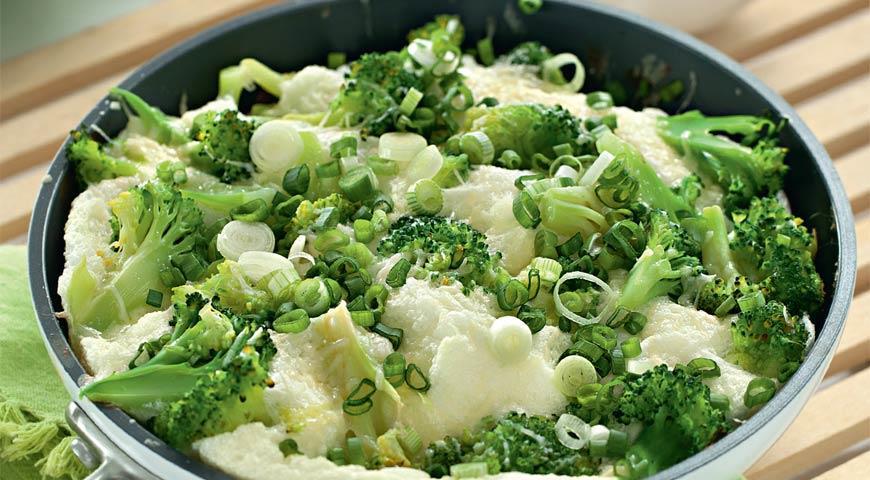 Рецепт Белковый омлет с сыром и брокколи