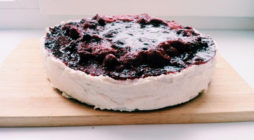 Бисквитный ягодно-творожный торт. Шаг 7