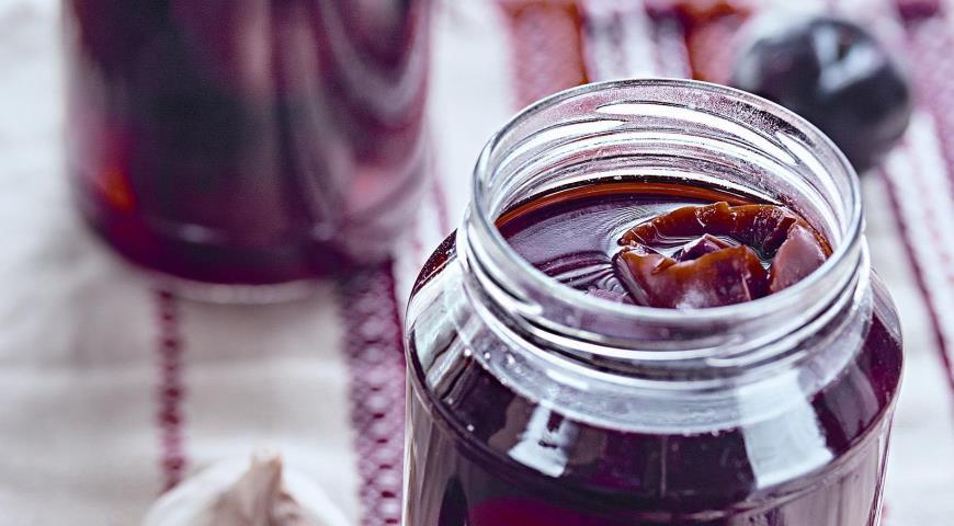 Рецепт Маринованные сливы с чесноком