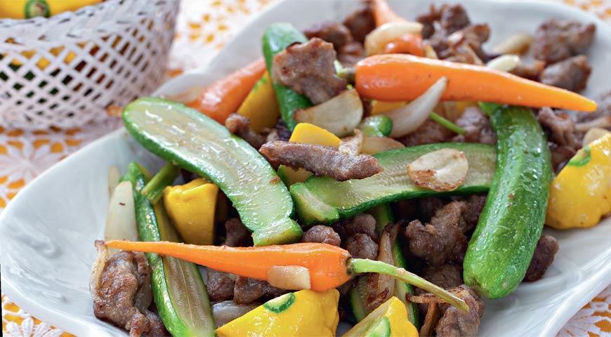 Рецепт Говядина с молодыми овощами