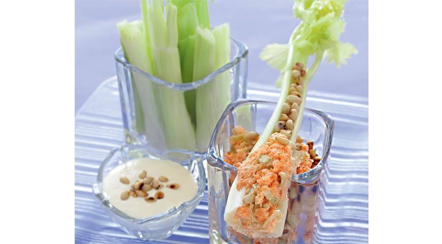 Рецепт Легкая закуска на черешках сельдерея