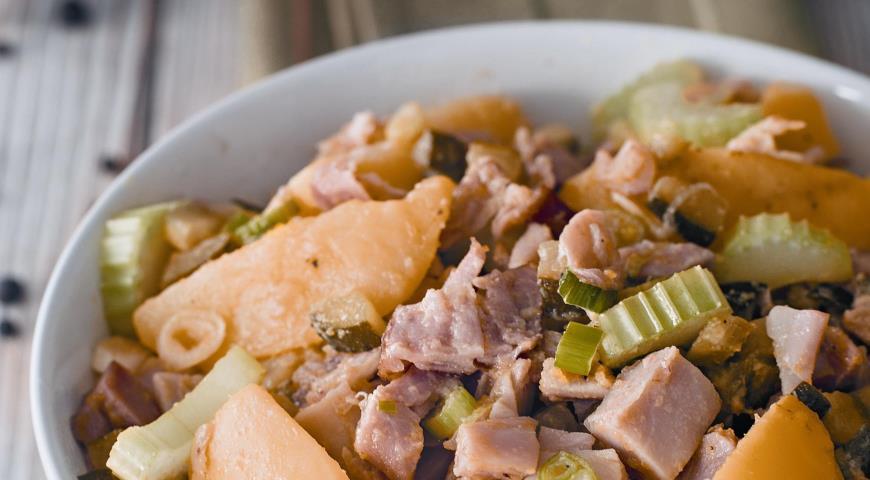 Рецепт Салат из картофеля и копченой курицы