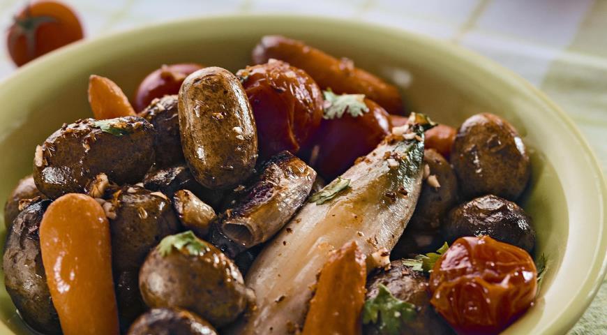 Рецепт Теплый салат из картофеля и цикория