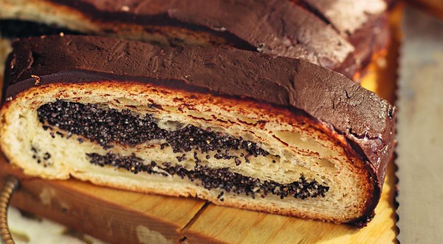Рецепт Маковый рулет с шоколадной глазурью