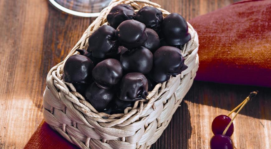 Рецепт Конфеты Шоколадная вишня в коньяке