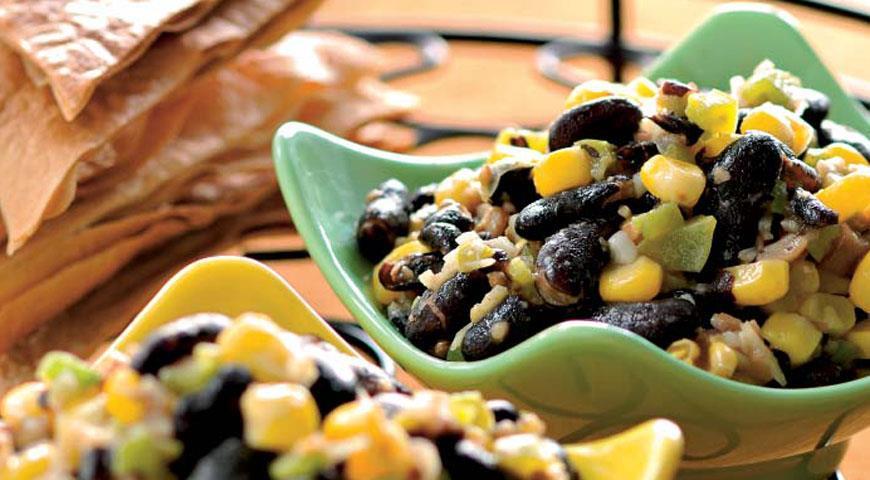 Закуска из черной фасоли с кукурузой и нопале, пошаговый рецепт с фото