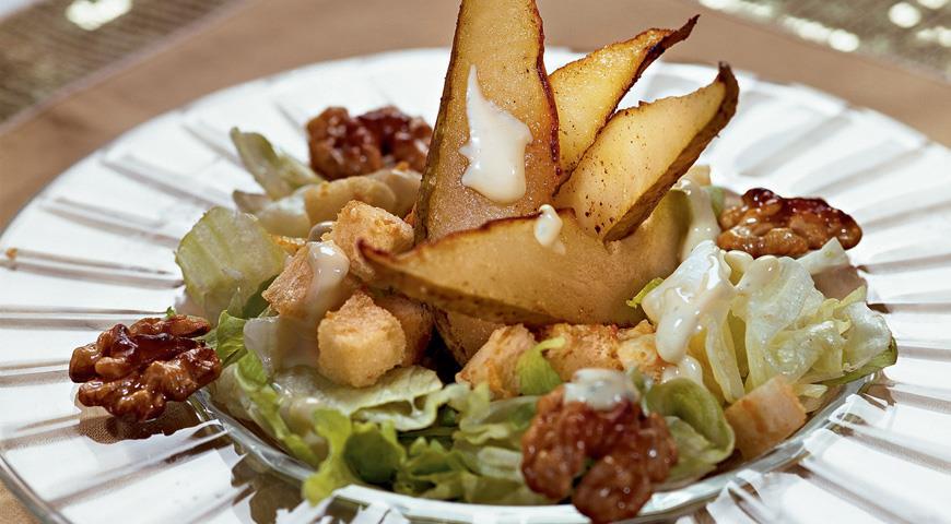 Рецепт Салат с грушами и сыром