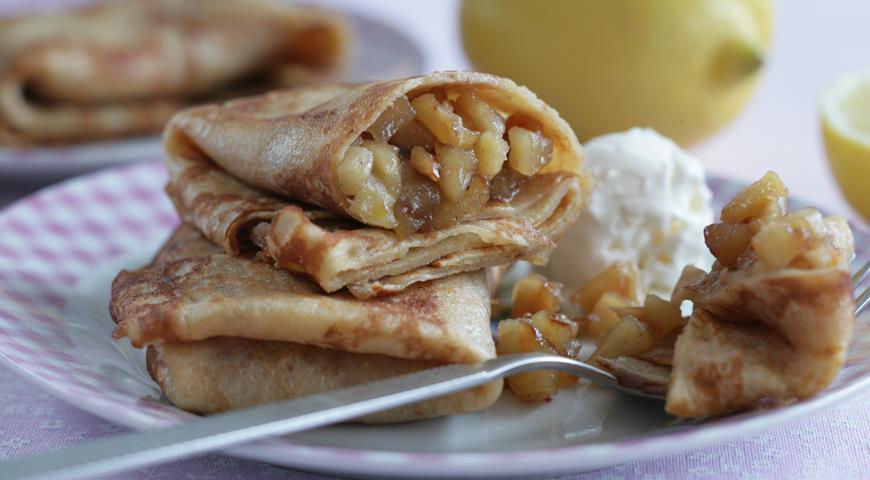 Рецепт Блины, фаршированные яблоками с орехами и корицей