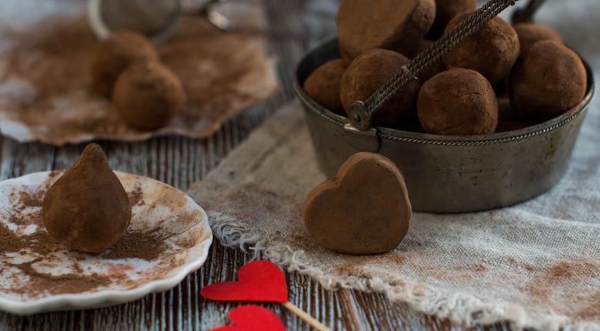 Рецепт Трюфели из горького шоколада с черным перцем