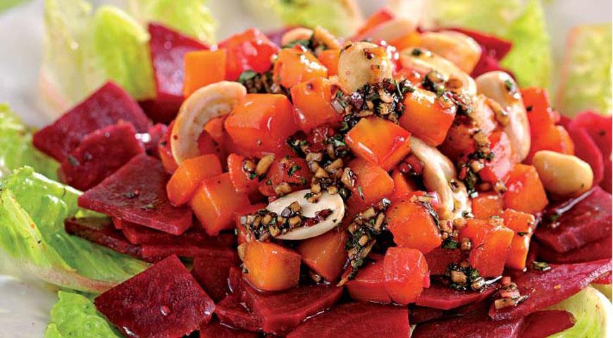 Рецепт Салат из репы и свеклы с жареными орехами