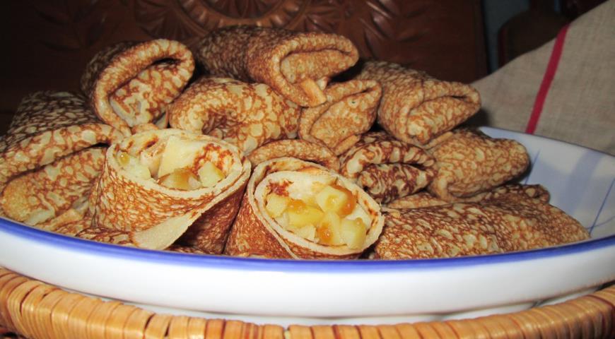 Рецепт Блинчики с яблоками и медом