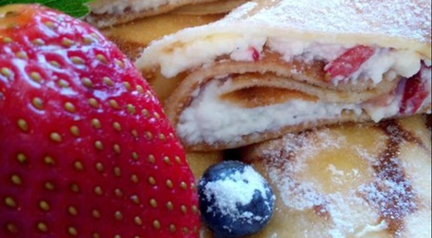 Рецепт Сладкие блинчики с начинкой из творога и фруктов