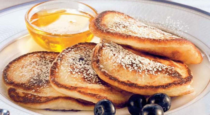 Рецепт Американский завтрак (оладьи с черникой и «американо»)