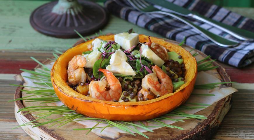 Рецепт Салат из чечевицы с копчеными креветками