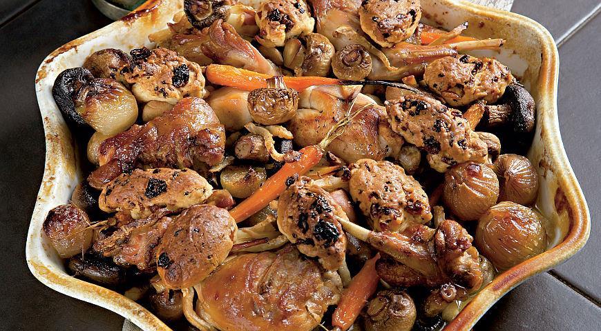 Рецепт Рагу из кролика с клецками из изюма и душистым перцем