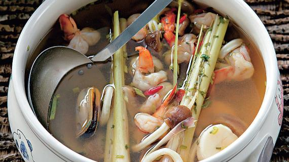 острый суп с колбасками рецепт с фото