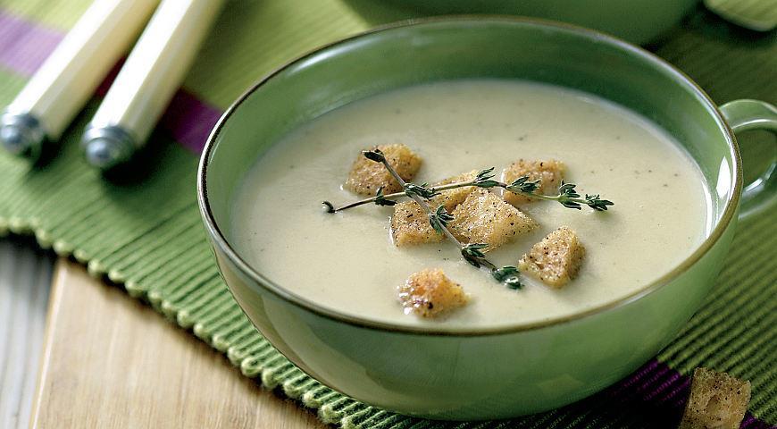 Рецепт Чесночно-луковый суп с чесночными гренками