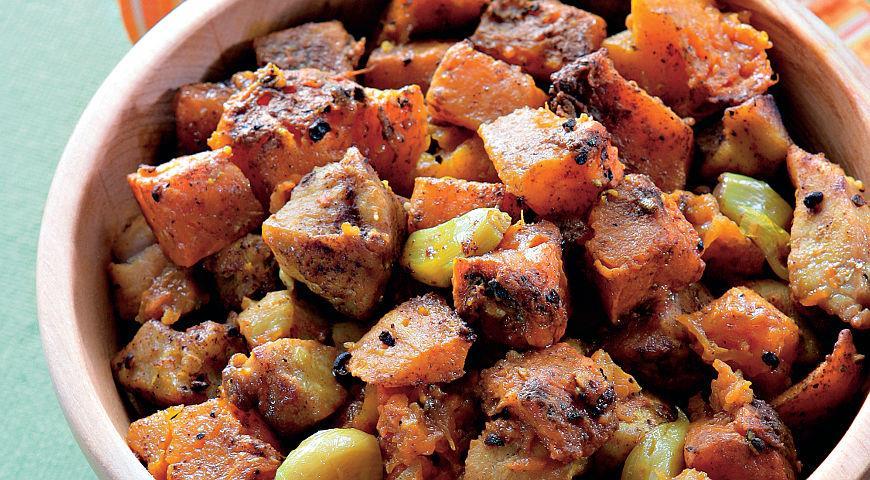 Рецепт Запеченная тыква со свининой и смесью специй рас-эль-ханут