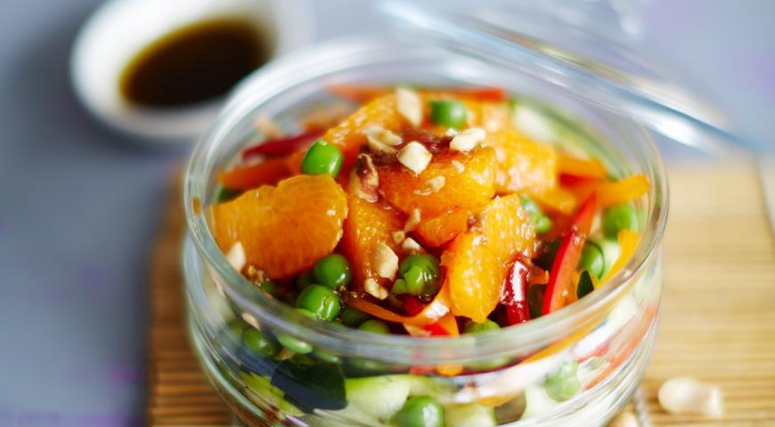Рецепт Салат в азиатском стиле, поданный в банке