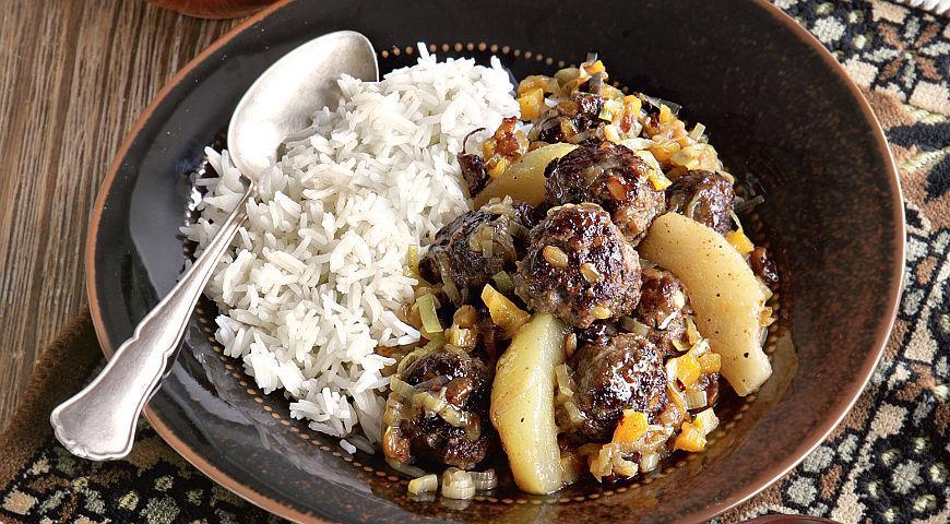 Рецепт Фрикадельки из баранины с орехами пинии и айвой