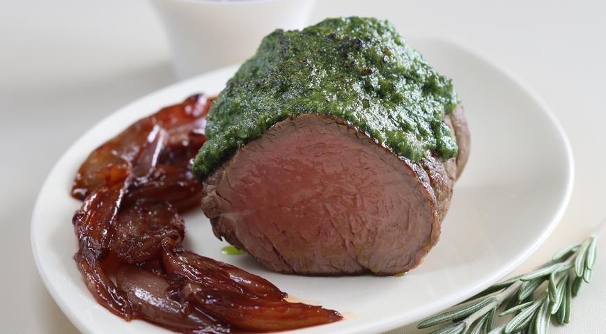 Рецепт Филе говядины с карамелизированным луком