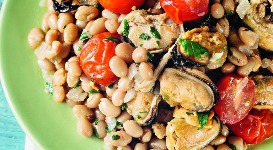 Рецепт Теплый салат из мидий с фасолью