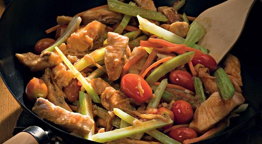 Рецепт Судак и овощи в кисло-сладком соусе