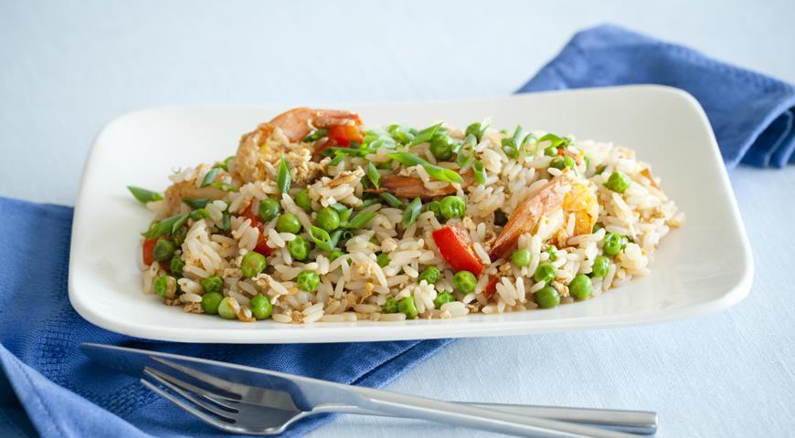 Жареный рис с креветками и овощами по-китайский — pic 3