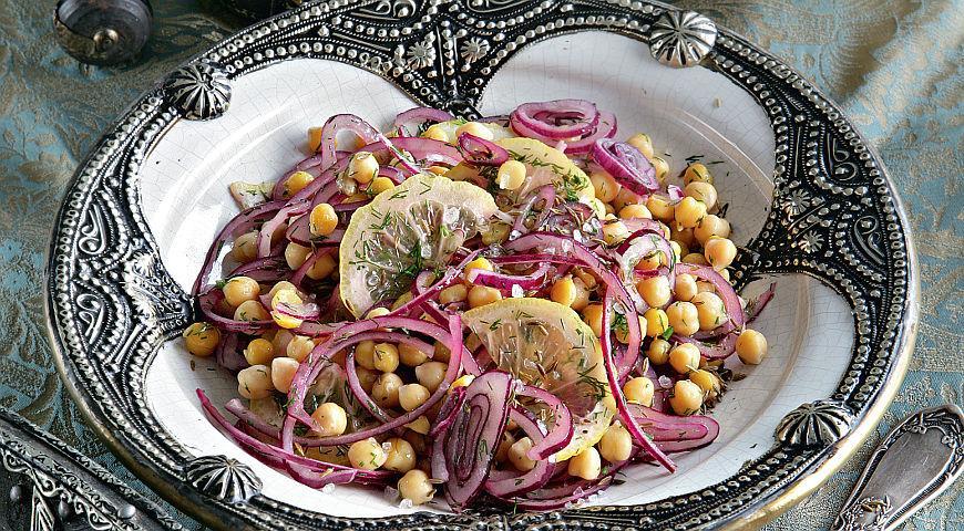 Рецепт Салат из нута с луком и лимоном