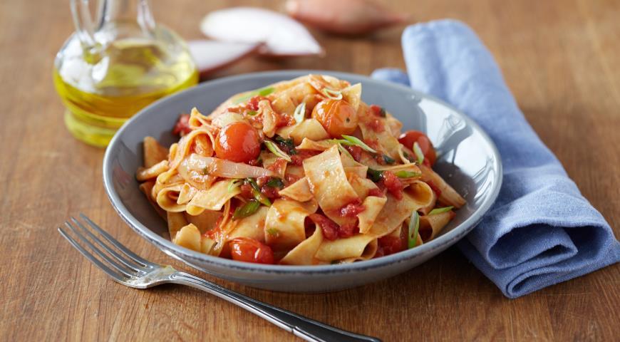Рецепт Томатная паста с помидорами черри и луком шалот