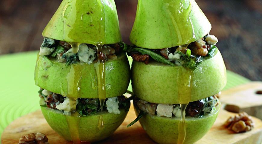Рецепт Салат с грушей и сыром