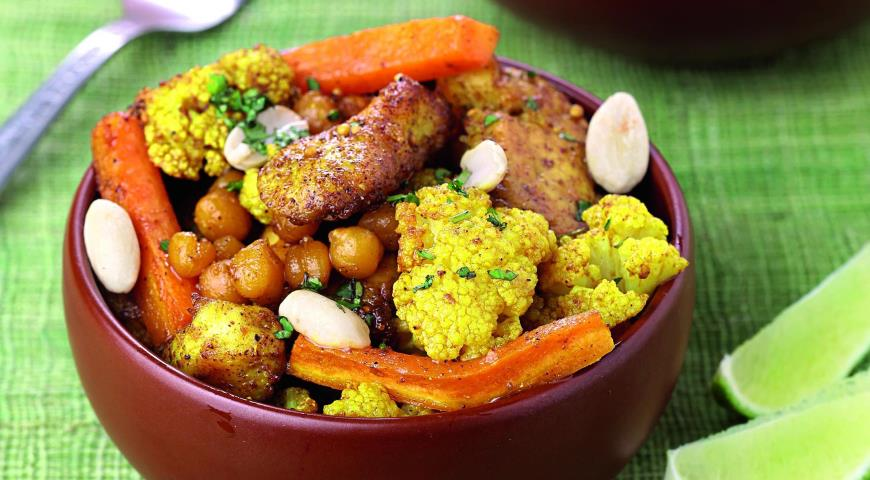 Рецепт Курица с овощами и нутом по-индийски