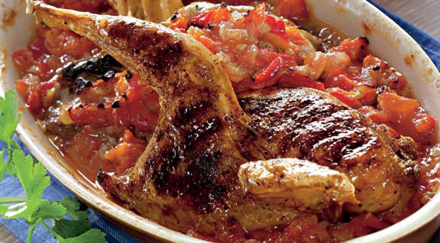 Рецепт Чесночная куропатка с помидорами и перцем