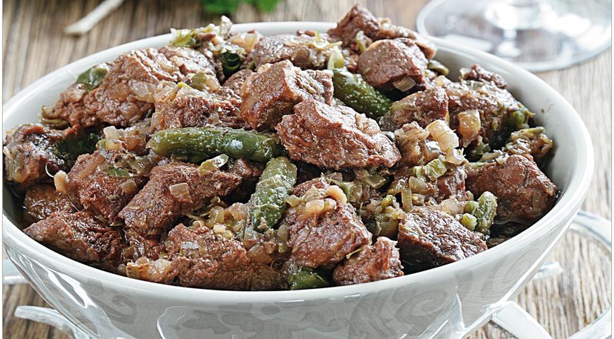 Рецепт Говядина с анчоусами, корнишонами и каперсами